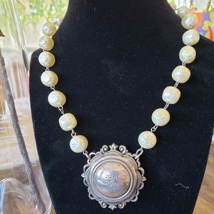 Jewelry - Vintage Pearl & Silver Brooch Necklace